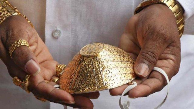 সোনার তৈরি মাস্ক বানালেন এক ভারতীয়