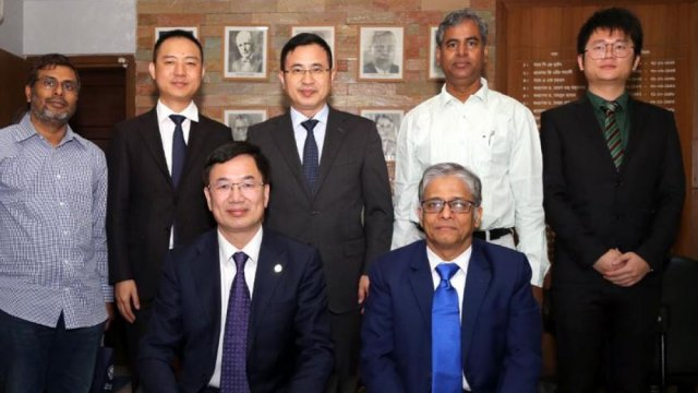 Chinese delegation calls on DU VC