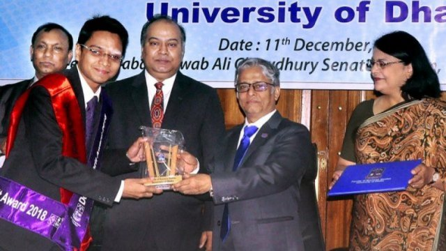 70 DU students get Dean's Award